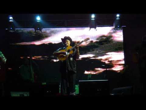 Eliades Ochoa Live in Medellin - Chan Chan