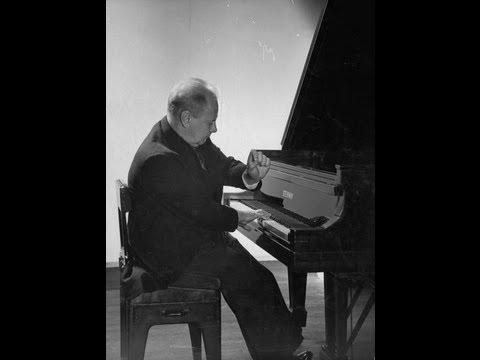 Josef Hofmann plays Chopin Nocturne opus 27 no. 2 (1942 rec.)