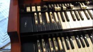 Hammond B3 Organ with Leslie 122 Speaker Demonstration