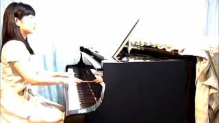 宝塚歌劇の代表的曲である「すみれの花咲く頃」のピアノ伴奏を弾きまし...