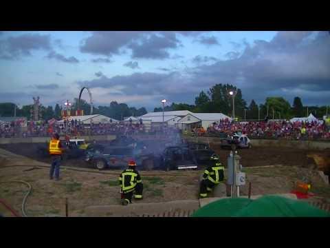 Rush City Demolition Derby July 2017: Builder Class Heat 1