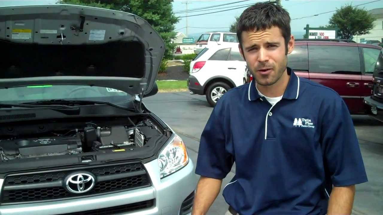 HOW TO CHANGE YOUR AIR FILTER IN A TOYOTA RAV-4 - YouTube