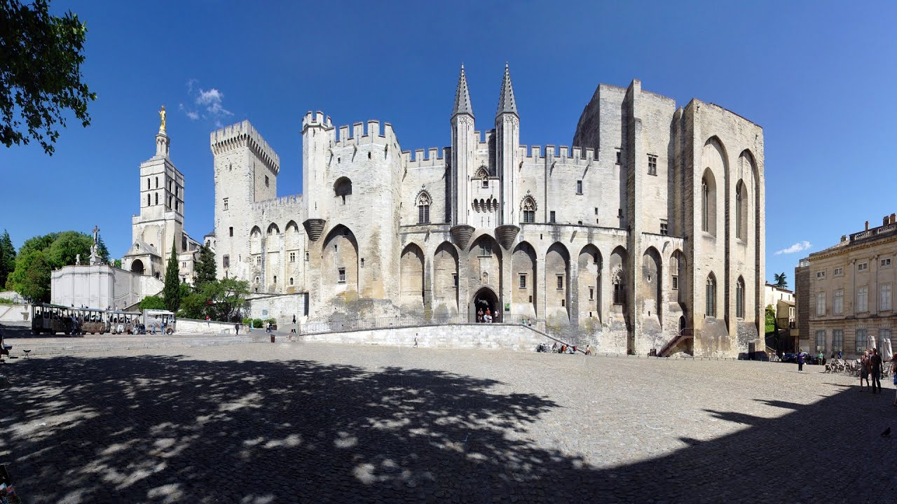 avignon-palais-des-papes
