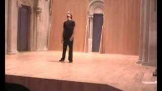 Adrien Mondot 3 ball juggling