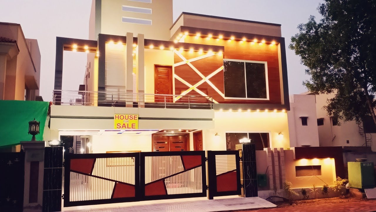 10 Marla Semi Furnished Beautiful House For Sale in Bahria Town Lahore with 5 Bedroom