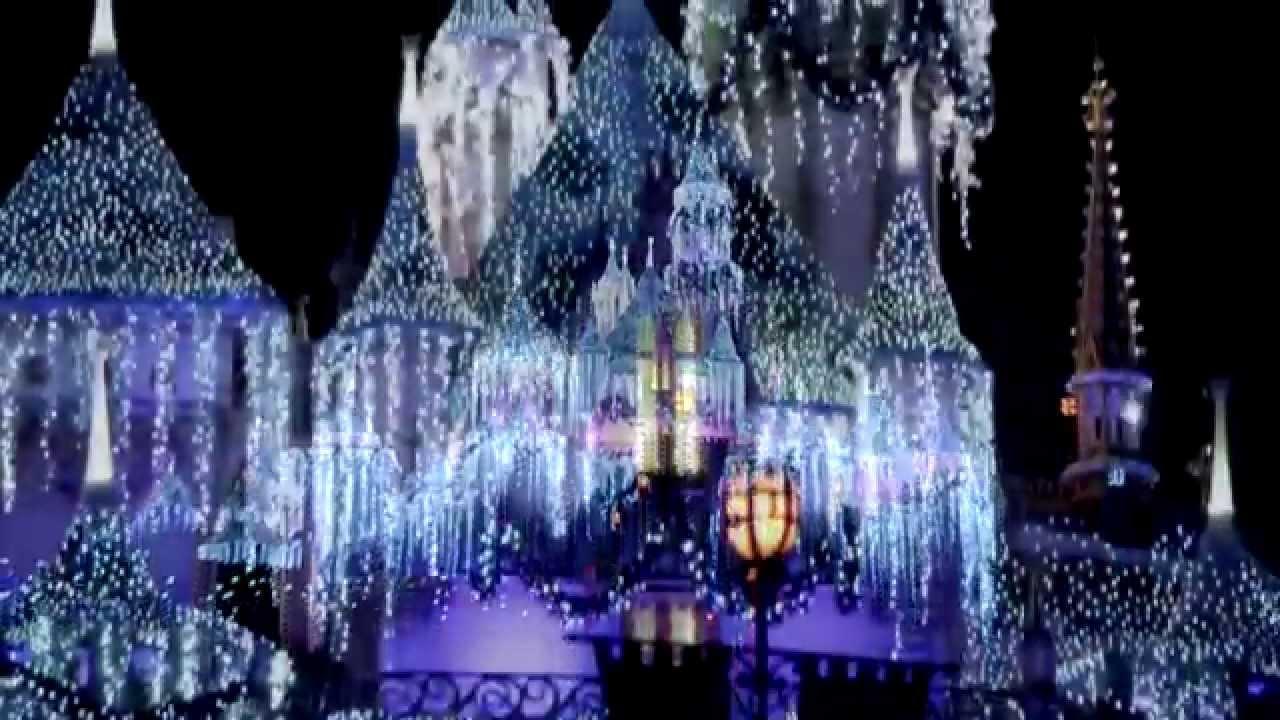 Disneyland During Christmas.Holidays At The Disneyland Resort