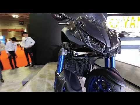 Yamaha Niken @ 2017 Tokyo Motor Show