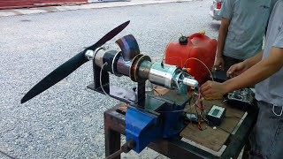 Small Turbo shaft swinging a large prop