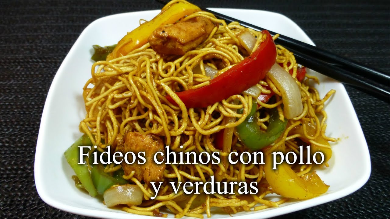Fideos chinos con pollo y verduras - YouTube