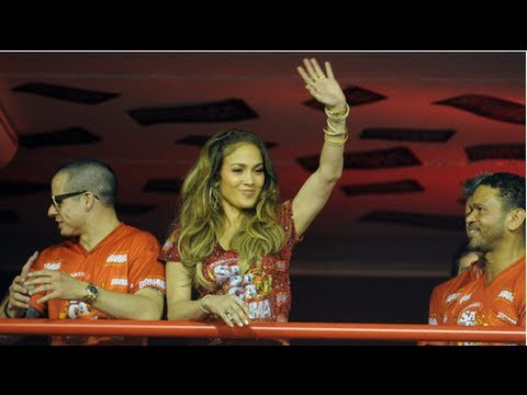 Jennifer Lopez Dancing With Casper Smart at Carnival