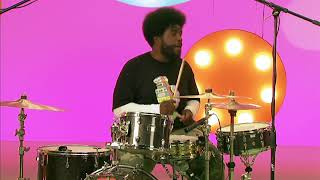 Questlove and Knuckles from The Roots  - Yo Gabba Gabba!
