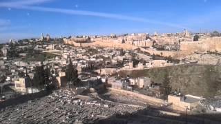 Видео прогулки по Израилю. Иерусалим . Старый город (2).(Видео прогулки по Израилю. Иерусалим . Старый город. Ста́рый го́род Иерусали́ма — район площадью 0,9 км²..., 2014-01-30T19:53:44.000Z)