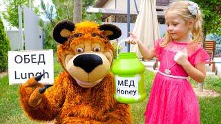 Nastya e a história do urso sobre balões de personagens
