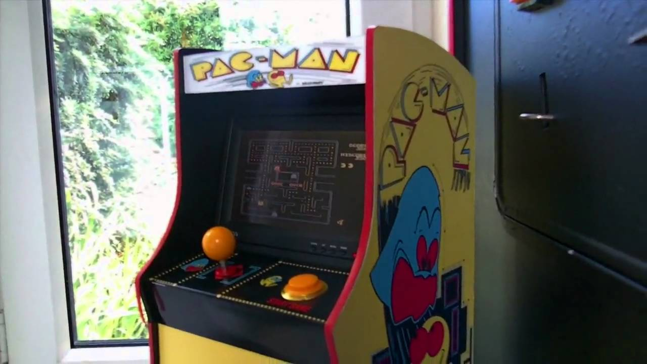 Tiny arcade machine pacman - YouTube