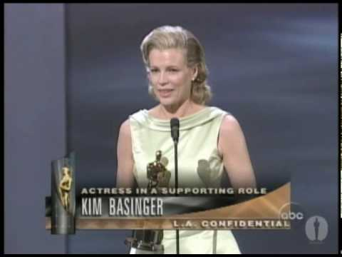 Kim Basinger winning Best Supporting Actress - YouTube