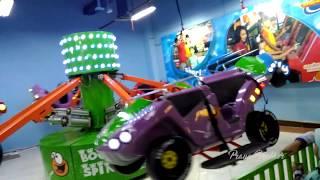 Naik Mainan Mobil, Berputar & Naik Turun | Bermain Di Wahana TimeZone Bounce Spin | Mainan Mobil