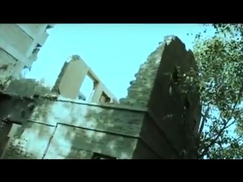 Deadly Building in Karachi - Woh Kya Hai 4 December 2016 - Not for Children