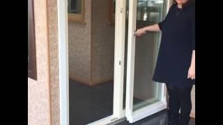 Параллельно - сдвижные деревянные двери