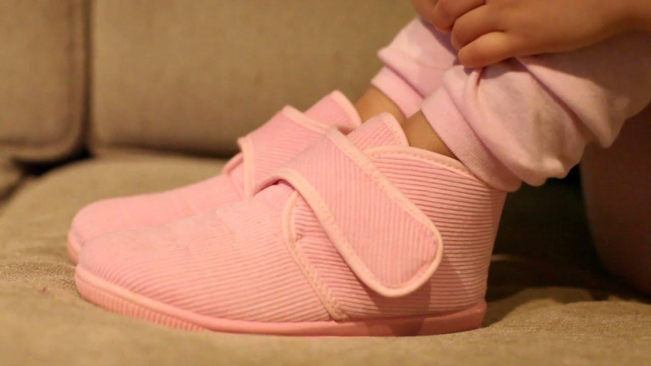 d80068ad020 Botitas de Pana para Niños - Zapatillas de andar por casa Invierno Pisamonas