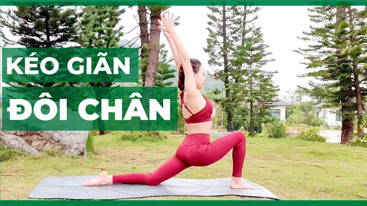 Kéo giãn đôi chân (30 ngày tập Yoga tại nhà)
