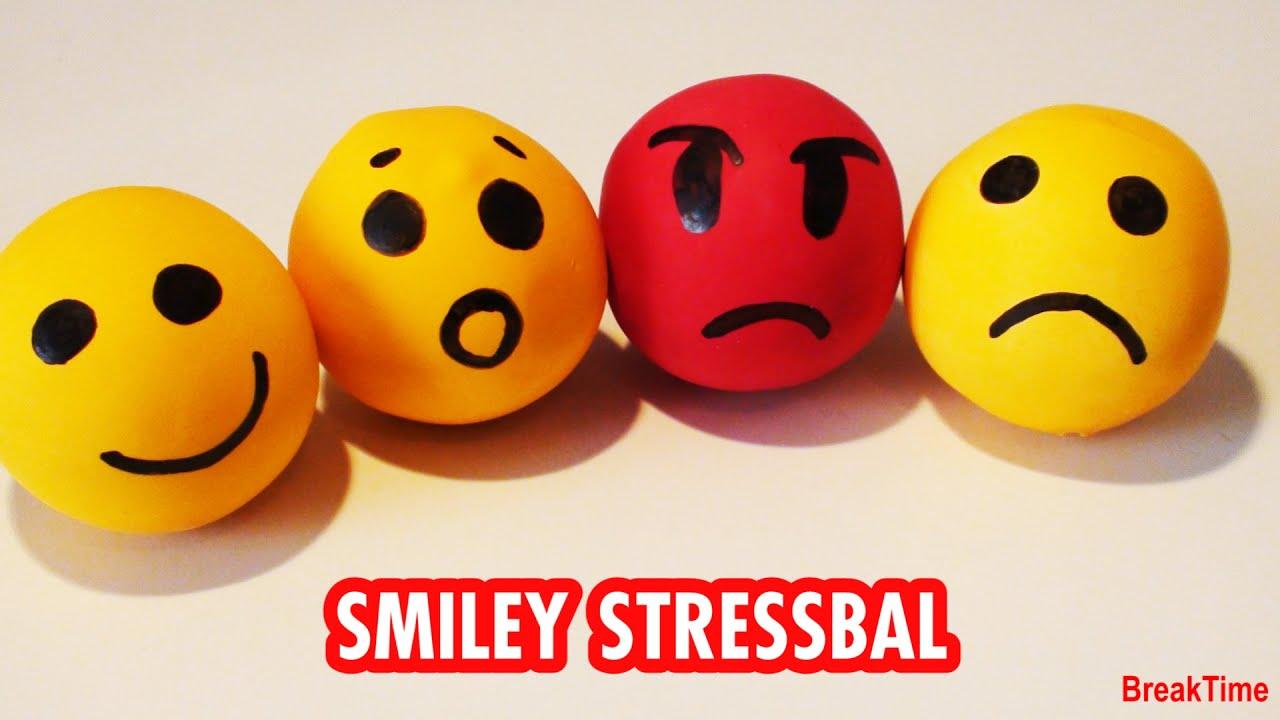 Goede DIY: Hoe maak je leuke smiley stressballen? (English subtitles OU-36