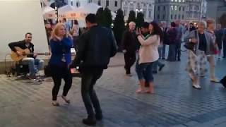 Download Amazing Street Guitar Performance by Imad Fares and Dancing Couple Mp3