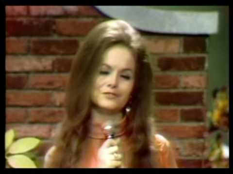Jeannie C. Riley - (Remember Me) I'm the One Who Loves You