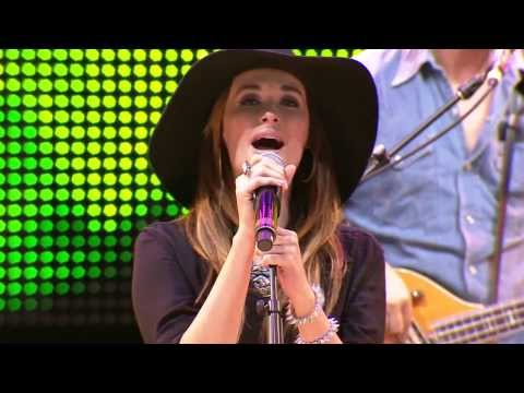 Kacey Musgraves - Step Off / Three Little Birds (Live at Farm Aid 2013)