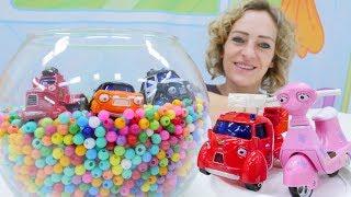 Spielzeugautos, Super Wings und Pinypon Toys - Kindervideo auf Deutsch.