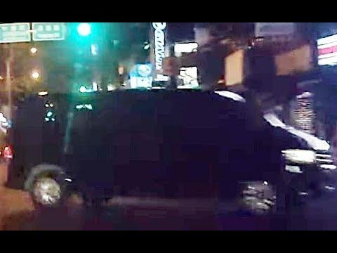吃屎狗?黑色廂型車夜間對向搶快左轉違規逆向進入中豐路山頂段375巷單行道PICT5990