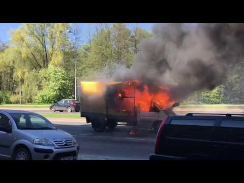 Car on fire in Tallinn, part 2.