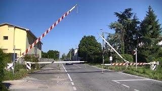 Spoorwegovergang San Giovanni in Croce (I) // Railroad crossing // Passaggio a livello
