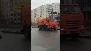 Gambar cover КО-318F производства Кургандормаш работает на улицах Оренбурга
