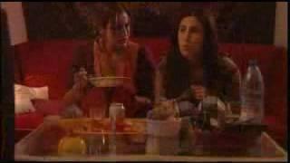 """trailer """"ENTRE ABRIL Y JULIO"""" (España, 2002)"""