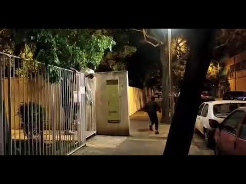 """Les """"cazan"""" de botellón y huyen de la policía"""