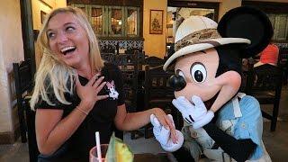 MICKEY PROPOSED TO MY GIRLFRIEND! (Disney World