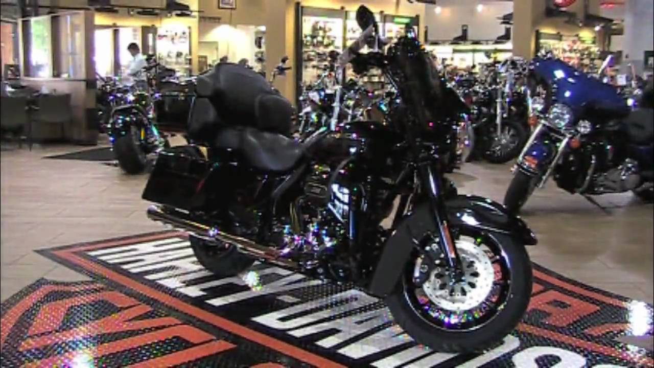 Harley Davidson Ultra Classic Cvo Black For Sale