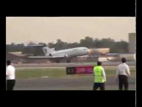 Thót tim nhìn Boeing 727 hạ cánh mà không có bánh trước