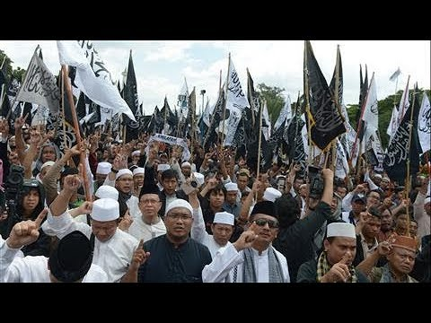 Hard-Line Muslim Groups Make Inroads in Indonesia