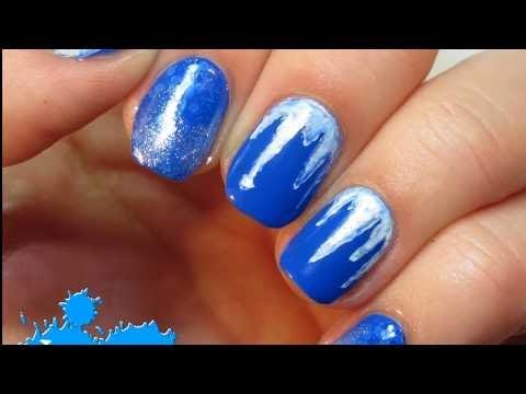 Синий маникюр блестящий