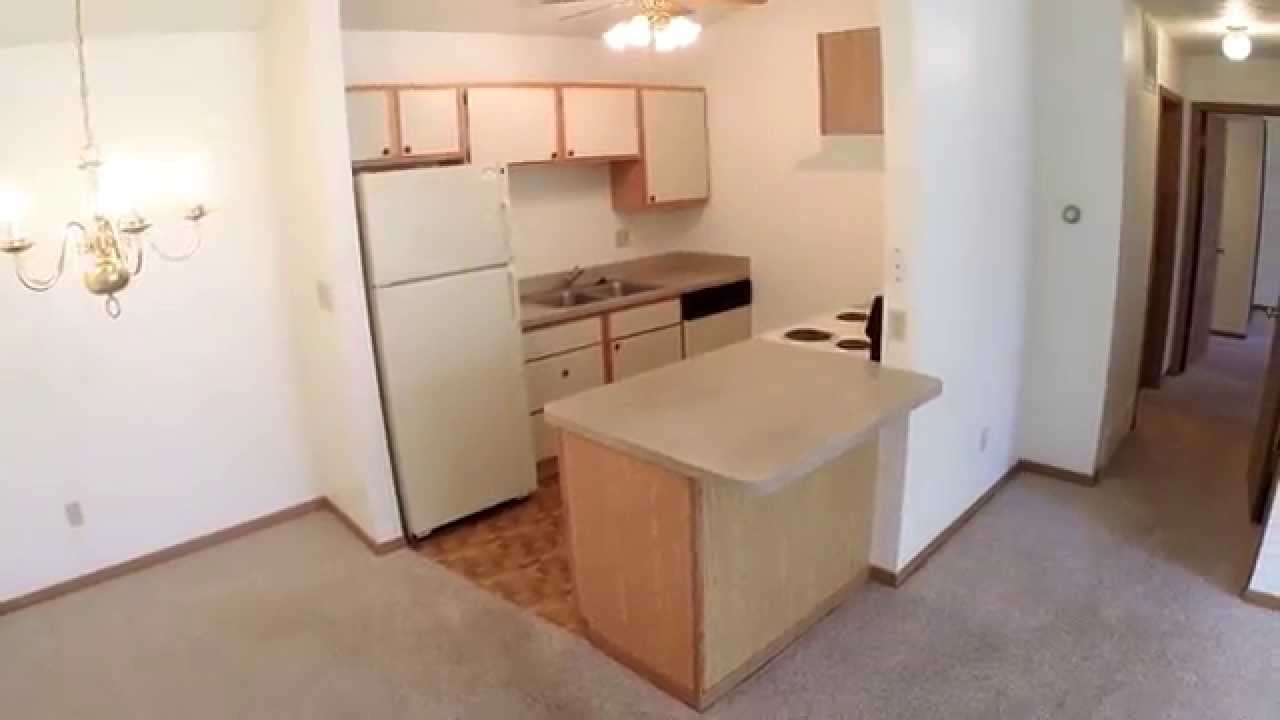 2 Bed / 2 Bath / 2 Car Garage Floor Plan At The Meadows Apartments In New  Castle, PA