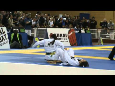 Marina Ribeiro Medeiros vs Kyra Gracie  EM 2011