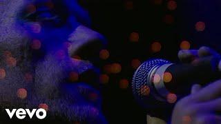 R.E.M. - Sweetness Follows (Live from Glastonbury Festival, 1999)