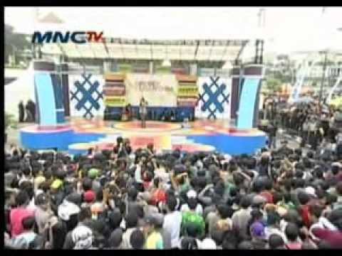 Syanel @ Grebek Nusantara 28 Jan 2012 xvid