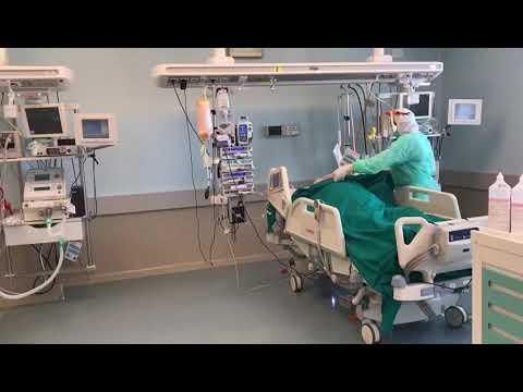 Coronavirus, le immagini nella terapia intensiva del Moscati
