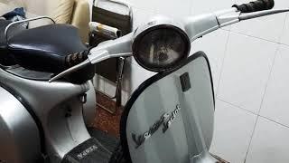 Chiếc xe máy vespa cổ  tại TPHCM