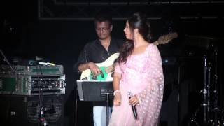 Gambar cover Nagada Song Dhol Baje- Shreya Ghoshal - Leicester Concert 2015