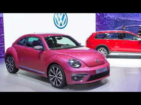 2017 volkswagen beetle pink color full edition review youtube. Black Bedroom Furniture Sets. Home Design Ideas