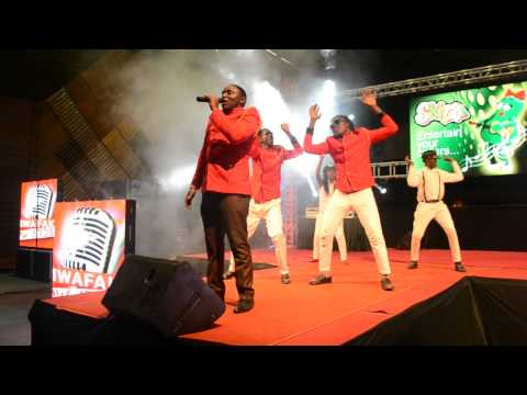Pitson performs Lingala Ya Yesu at Mwafaka Awards