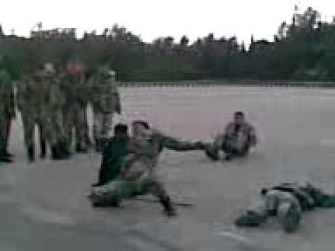رئيس الشبيحة بحماة العقيد سهيل الحسن قائد مطار حماة